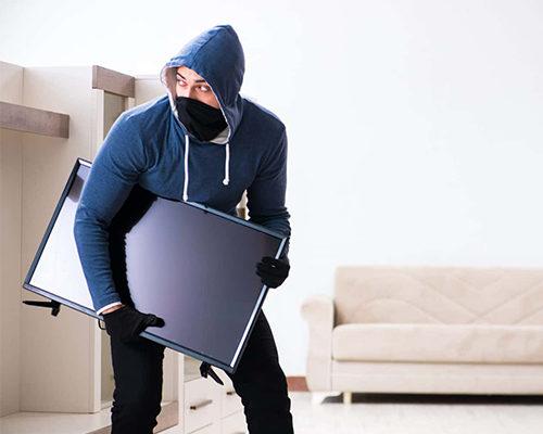 Когда твой дом — не крепость. Как защитить имущество и близких?